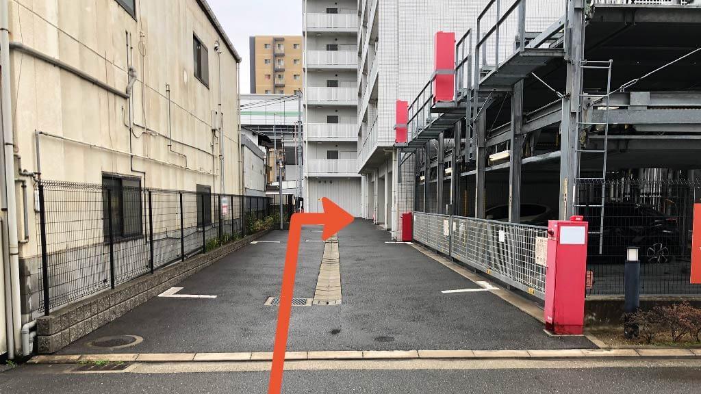 布施公園から近くて安い【屋内】グランシス高井田駐車場