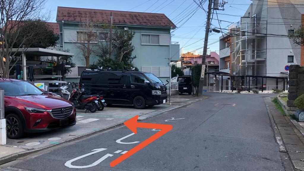 由比ヶ浜から近くて安い【土日祝】坂ノ下25-14駐車場