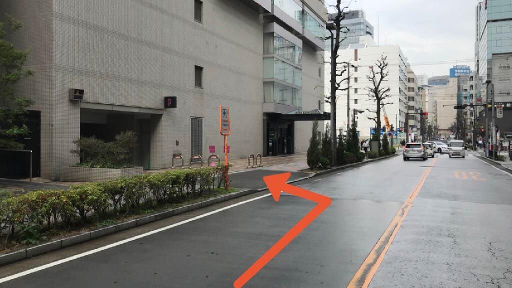 横浜駅から近くて安いホテルプラム駐車場