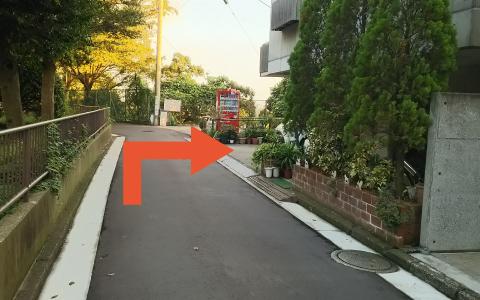 横浜ランドマークタワーから近くて安い野毛山動物園OKパーキング第2